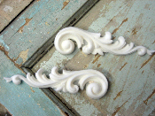 Chic Carved  Details (Set of 2)