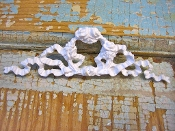 Shabby Rose Ribbon Pediment