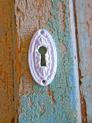 Chic Carved Keyhole